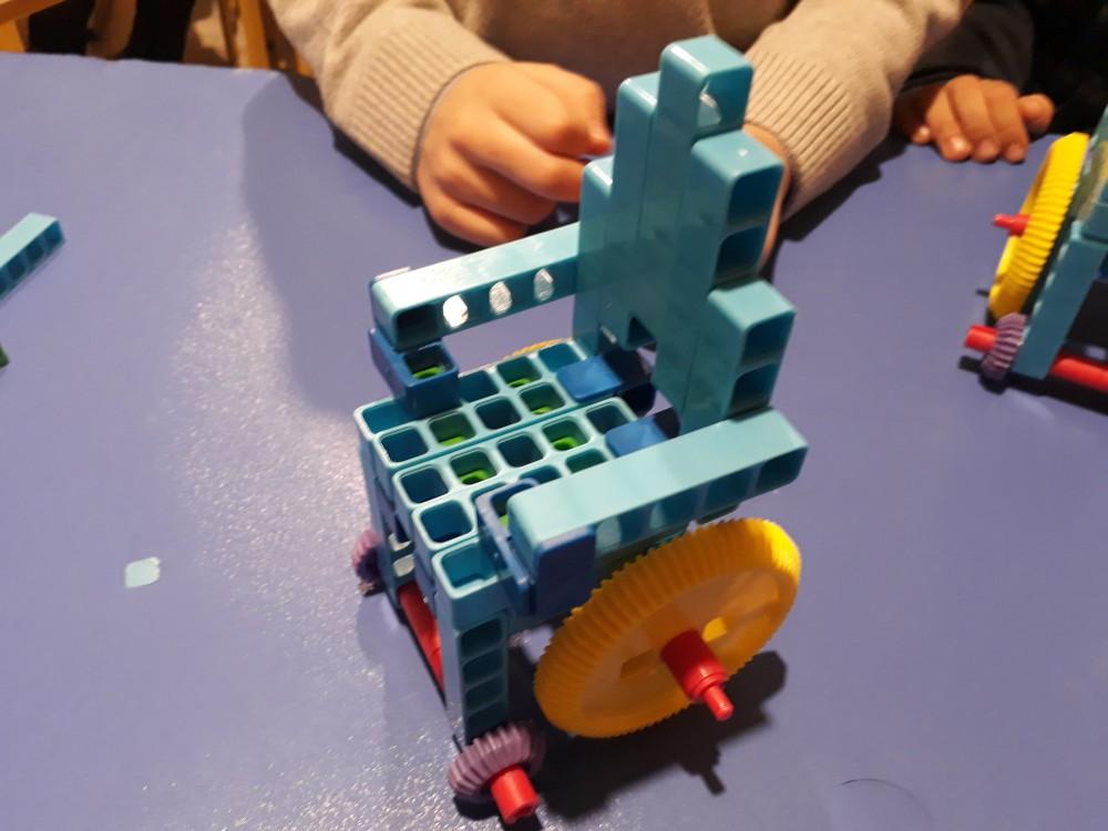 مزایای کلی آموزش رباتیک به کودکان